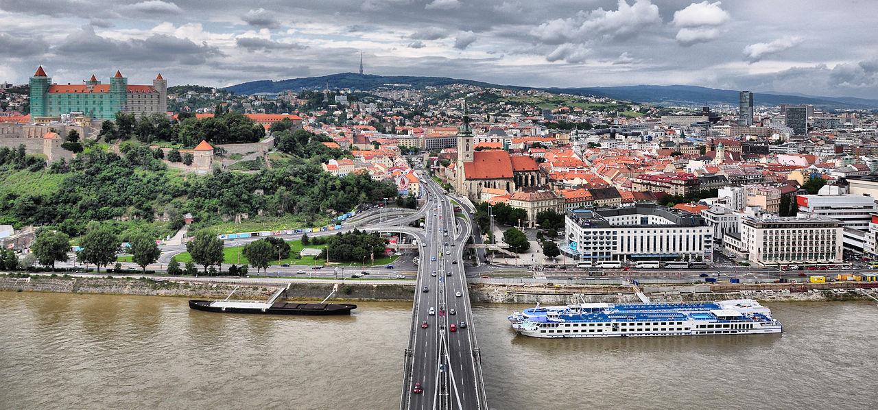 1280px-Bratislava_Old_Town_(3706932185)