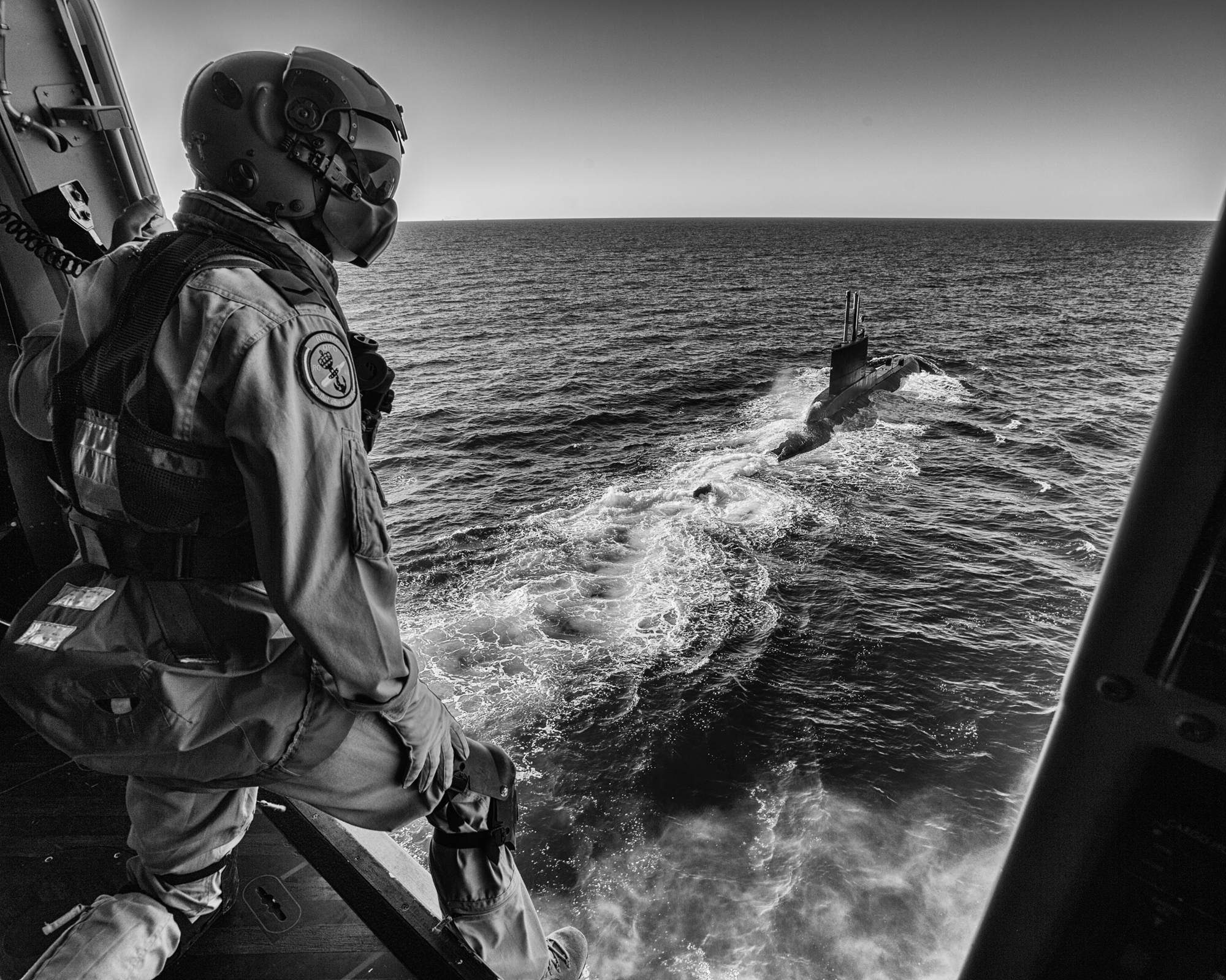 SNMG1-SEA SHIELD15- Deutch rescue diver watching TUR submarine TCG Atilay (S347) during SEA SHIELD15 exercise - 23 JULY 2015 - Photo by WO ARTIGUES (HQ MARCOM).  Exercise Sea Shield 15 is a multinational combat exercise against submarines, organized by the Romanian Naval Forces, aimed at developing international cooperation in the defence field with similar structures in the NATO member and partner states, with a view to strengthening and developing joint fight procedures. Approx. 2,000 troops from seven NATO member-states - Romania, Bulgaria, Greece, The Netherlands, Portugal, USA and Turkey, plus Ukraine, are going to participate over July 20-24 in the multinational military exercise Sea Shield 15, in the Black Sea.