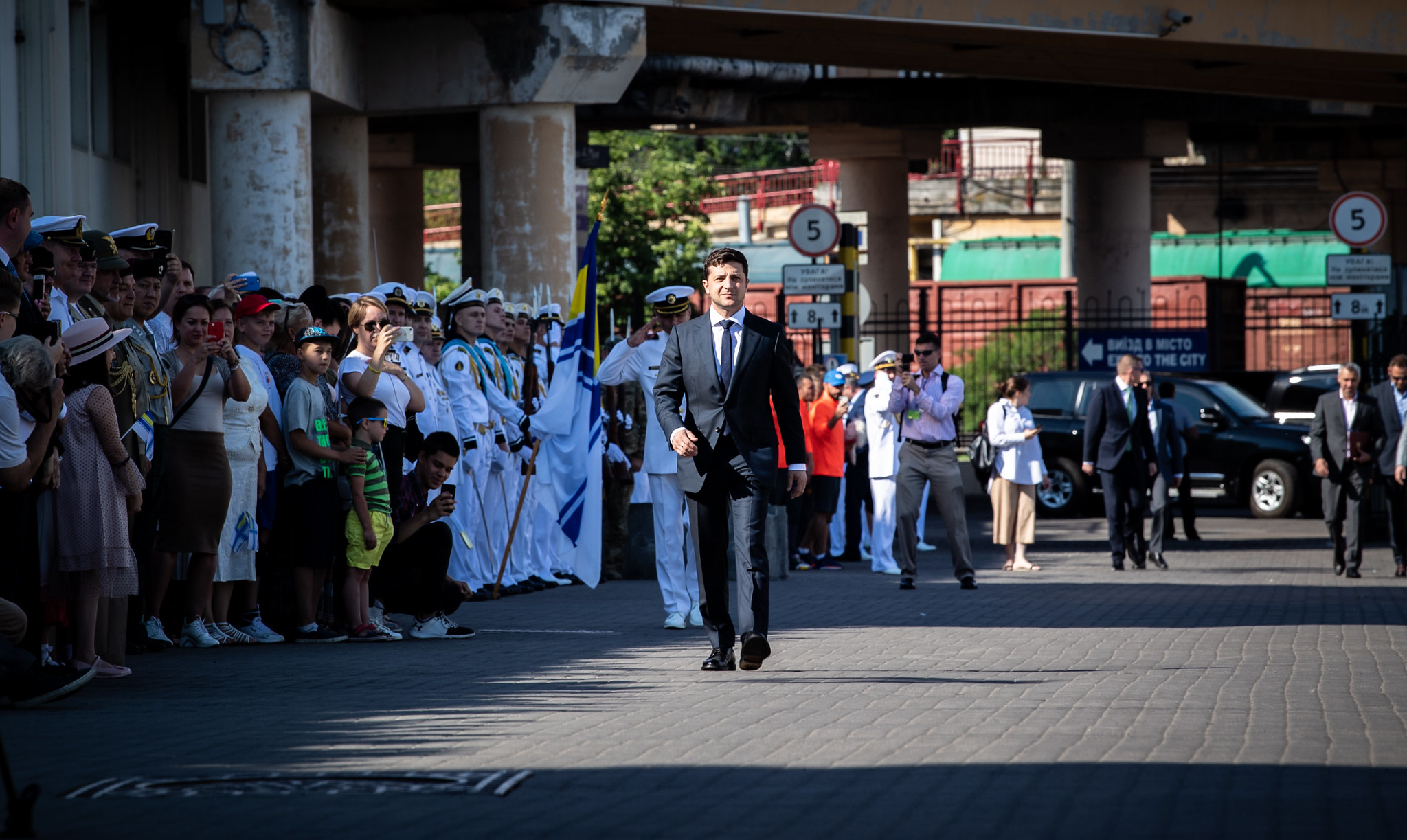 ODESA, Ukraine (July 7, 2019) — President of Ukraine, Volodymyr Zelenskyy, visits ships from exercise Sea Breeze 2019 participating nations during Ukrainian Navy Day in Odesa, Ukraine, July 7, 2019. Sea Breeze is a U.S. and Ukraine co-hosted multinational maritime exercise held in the Black Sea, designed to enhance interoperability of participating nations and strengthen maritime security and peace within the region. (U.S. Navy photo by Mass Communication Specialist 3rd Class T. Logan Keown/Released)