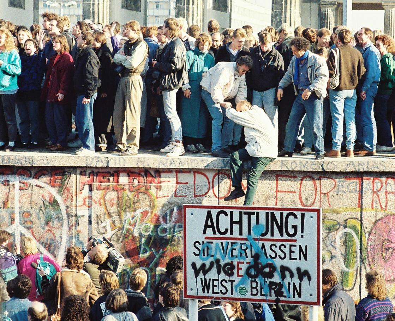 BerlinWall-BrandenburgGate (1)