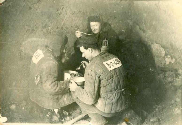 Political_prisoners_in_Gulag