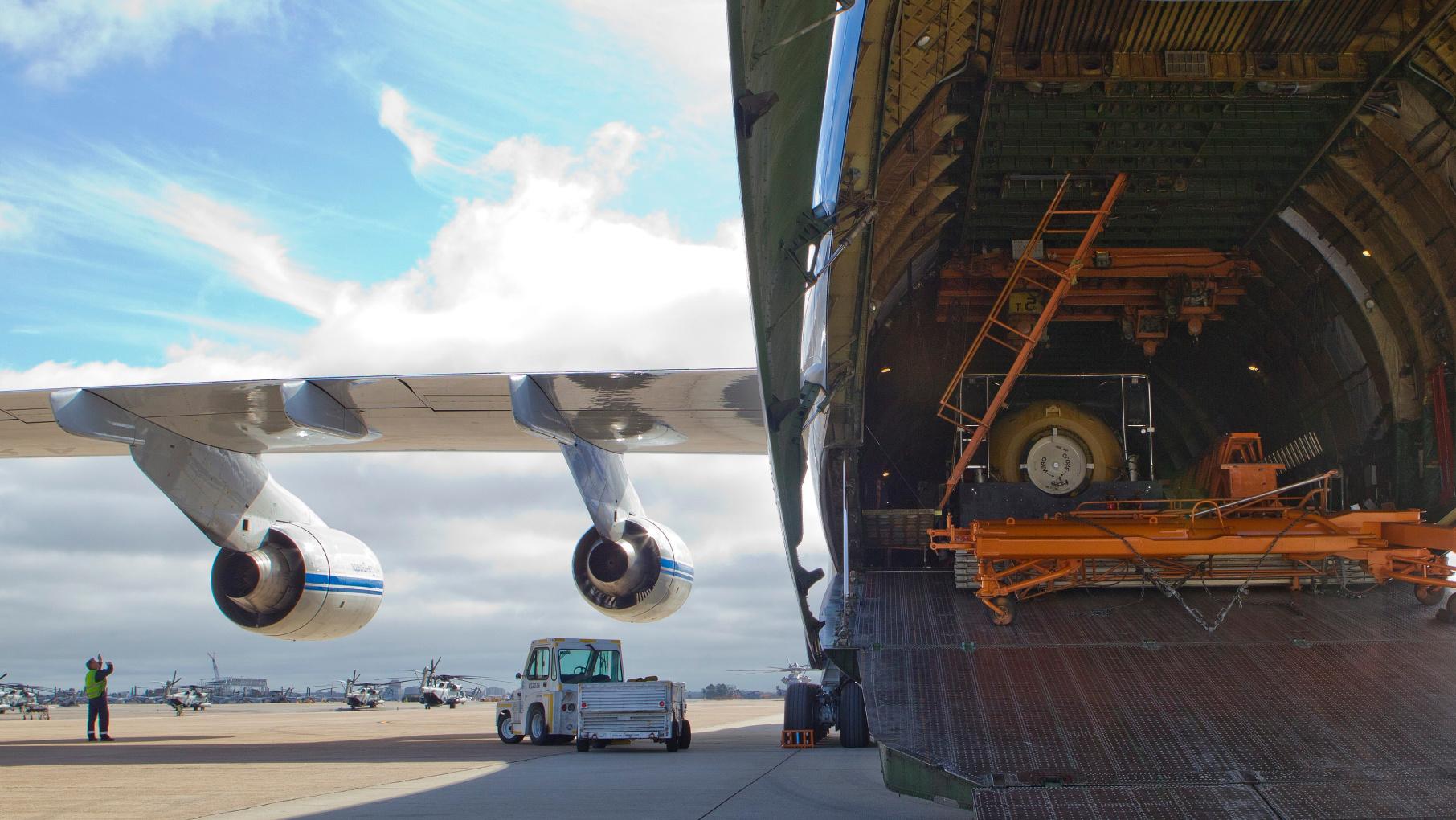 Russian_cargo_plane_visits_Miramar_121019-M-GC438-008 (2)