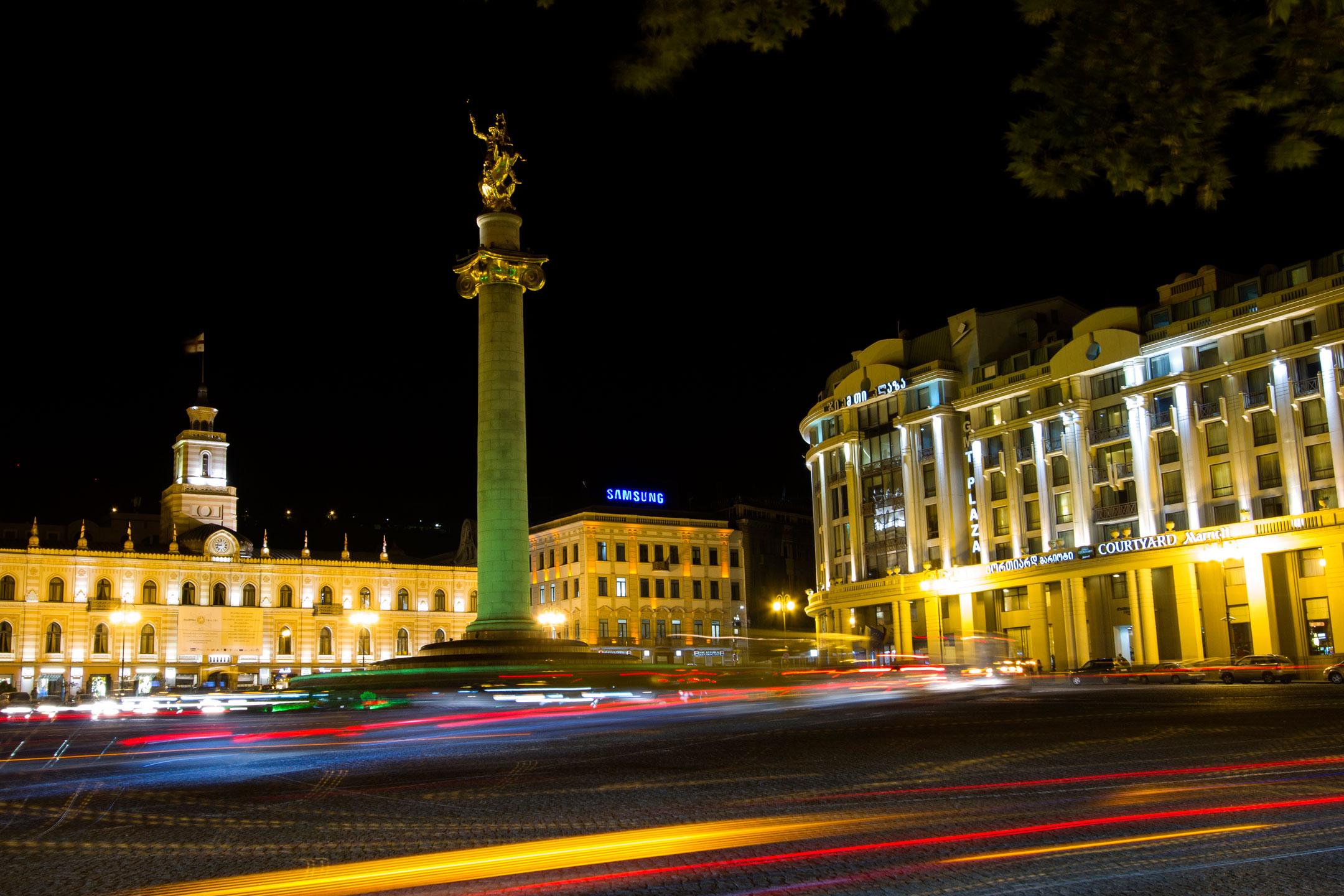 light-skyline-night-city-monument-citysc