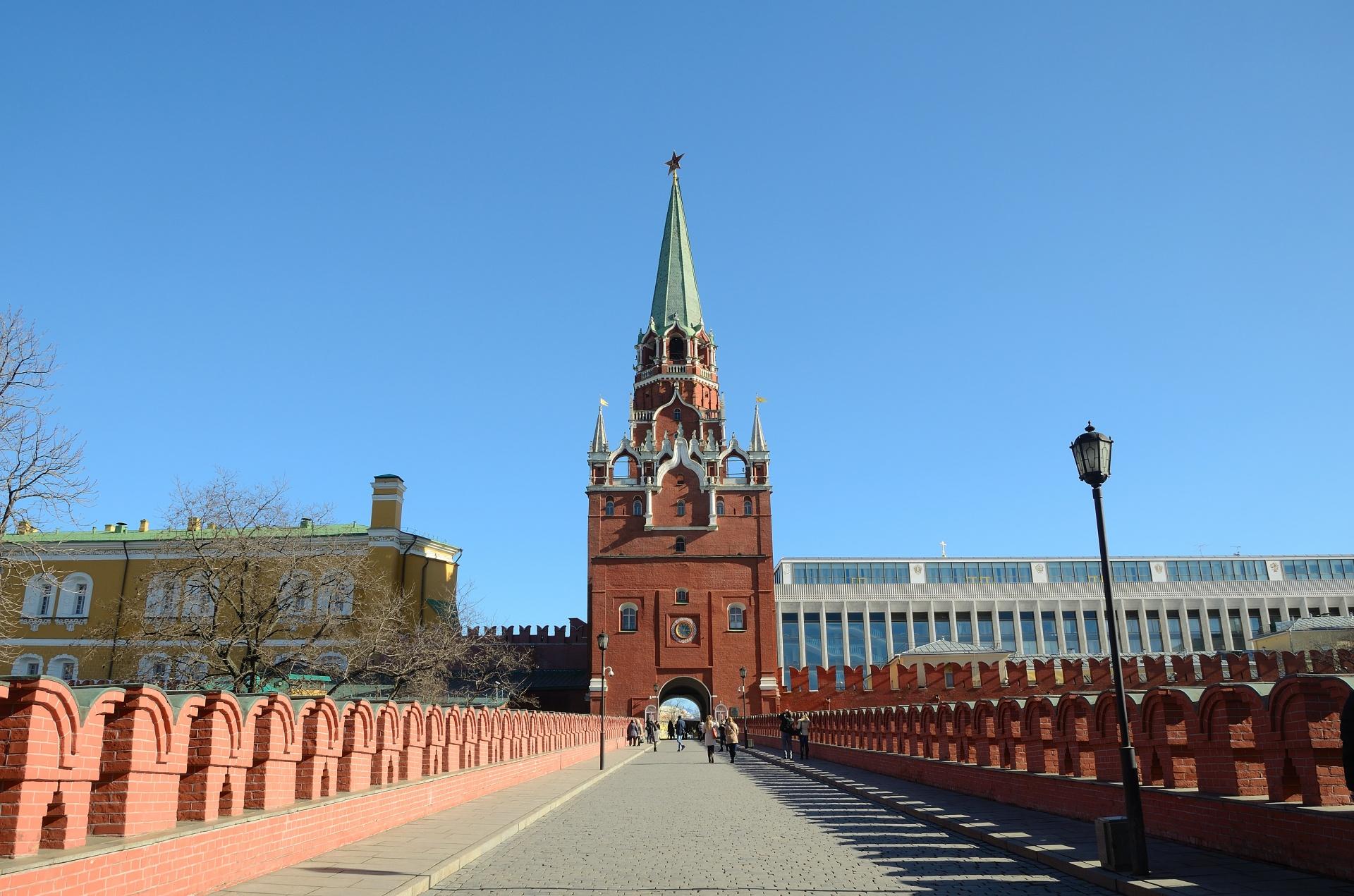 moscow-kremlin-1491064957iZm (1)