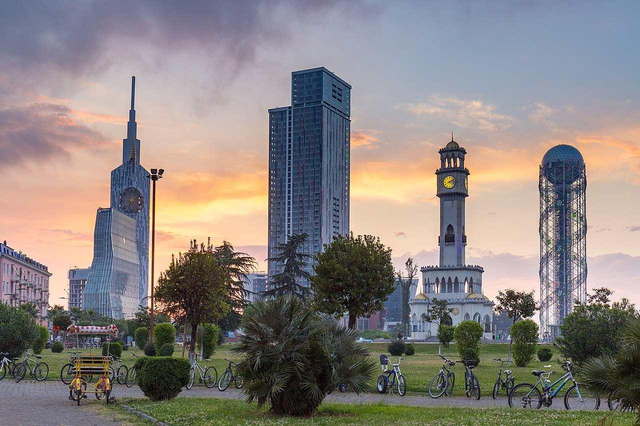 1280px-Batumi_sunset_2 (1)