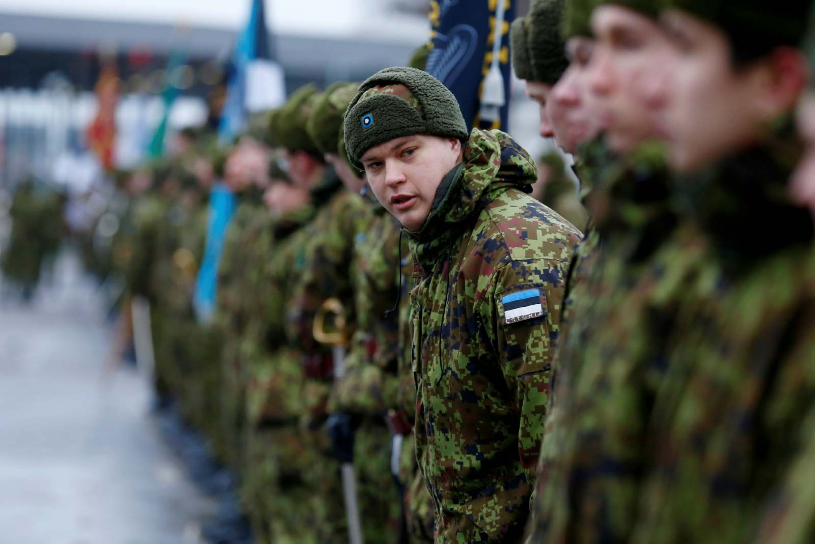Estonian soldiers get ready for the commemoration of the centennial of the War of Independence ceasefire near the border crossing point with Russia in Narva, Estonia January 3, 2020.