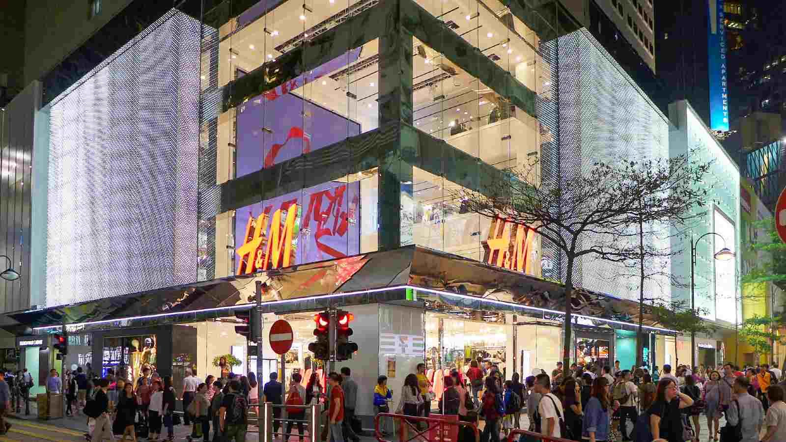 Photo: H&M Flagship store in Causeway Bay, Hong Kong. Credit: Wikimedia Commons