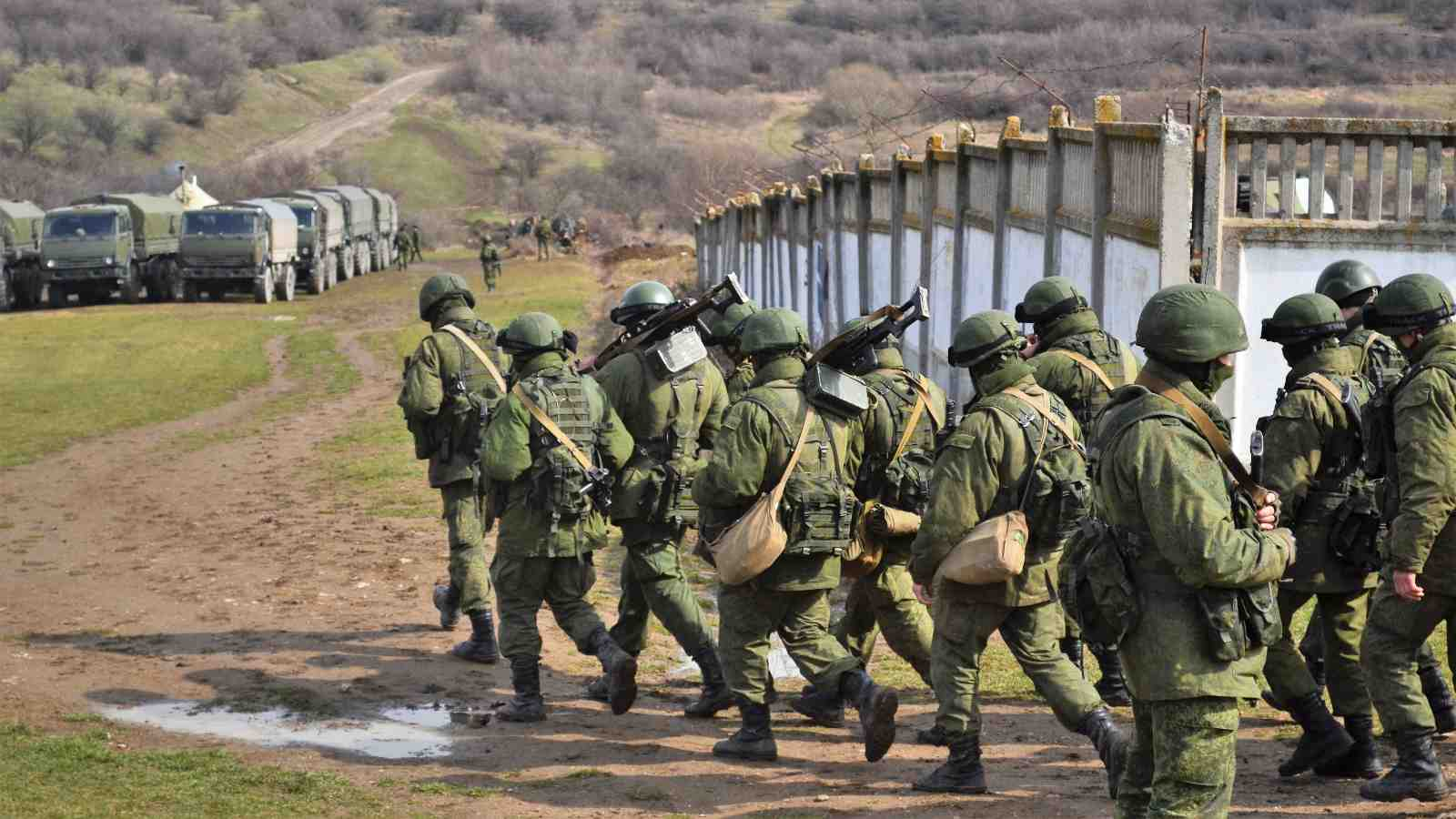 Photo: Little Green Men at Military base at Perevalne during the 2014 Crimean crisis. Credit: Wikimedia Commons