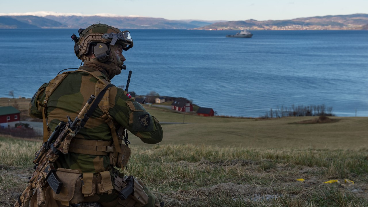 A Norwegian soldier prepares for Exercise TRIDENT JUNCTURE 2018 Joint Capability Demonstration in Trondheim, Norway, on October 30, 2018.