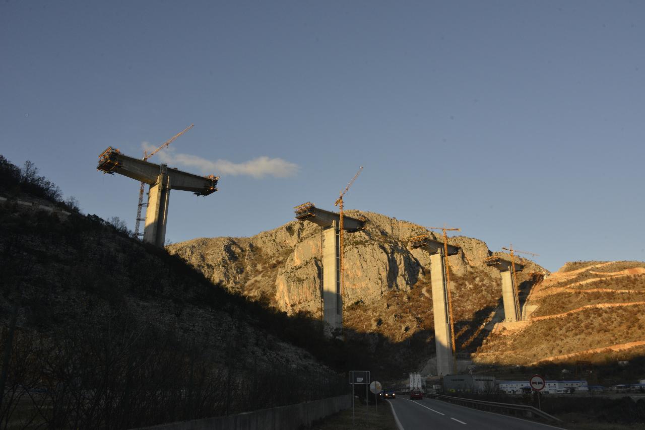 Photo: Construction of the new Moracica bridge on the Bar-Boljare highway, near Podgorica, Montenegro. Credit: Miomir Magdevski