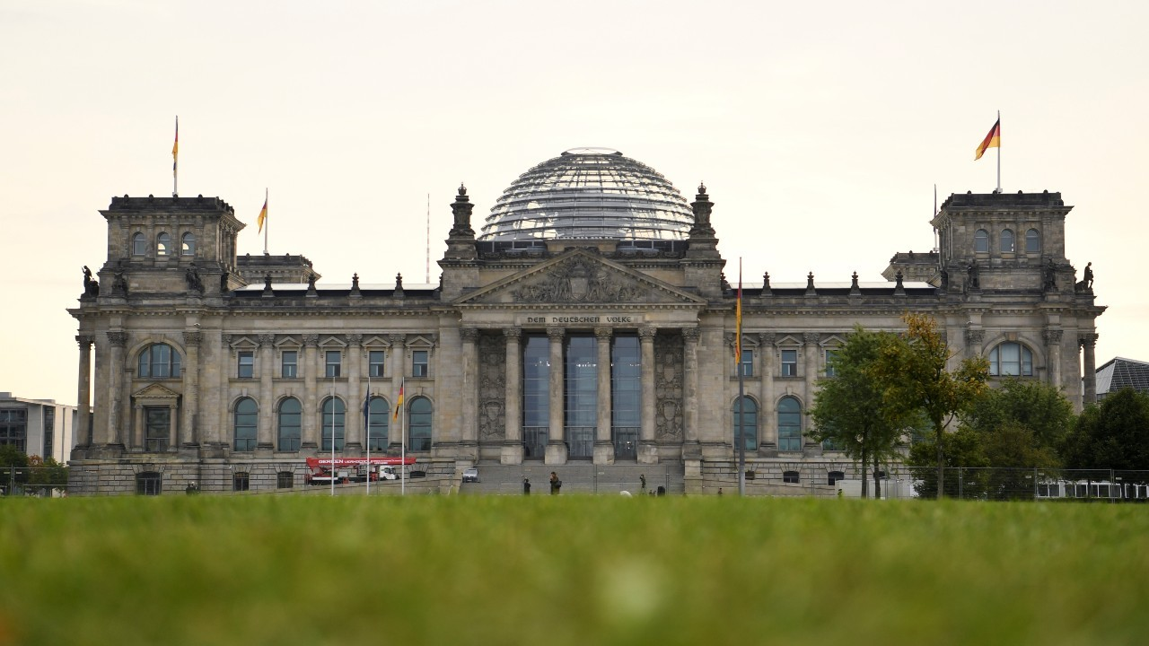 Photo: A view of the Reichstag building after the German general elections, in Berlin, Germany, September 27, 2021. Credit: REUTERS/Andreas Gebert