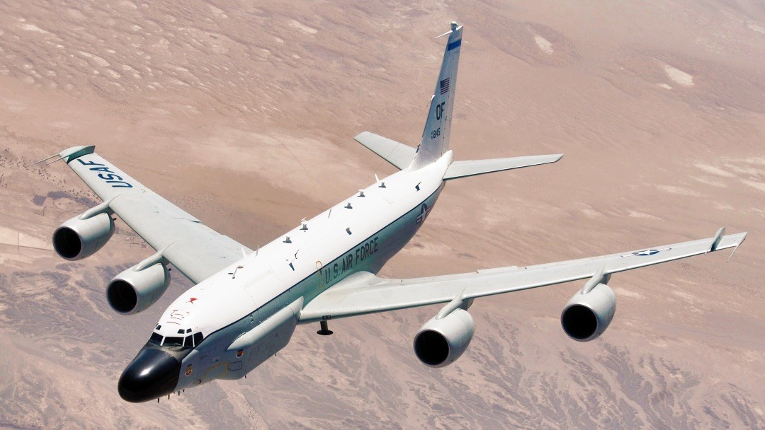 Image: RC-135 Rivet Joint reconnaissance aircraft moves into position. Credit: U.S. Airforce.